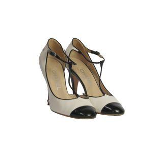 Sapato-de-Salto-Chanel-Preto-e-Branco