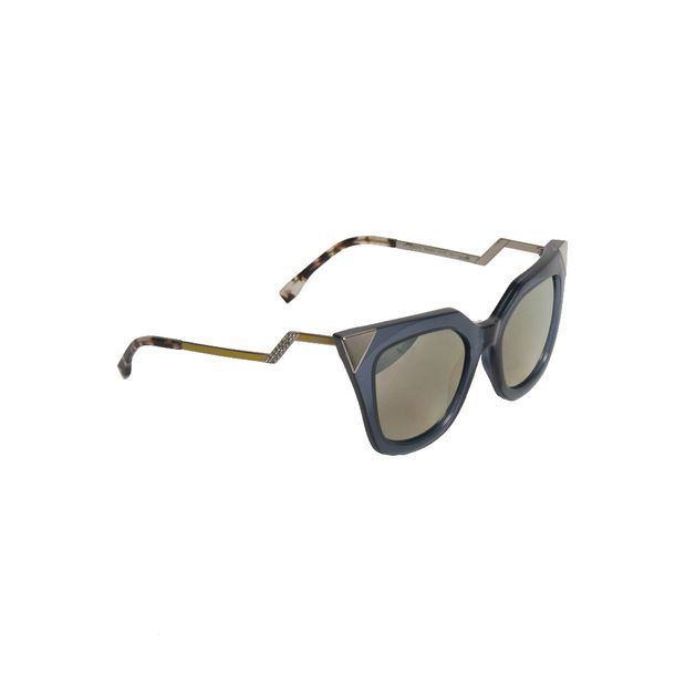 Oculos-Fendi-Iridia-Cat-Eye-with-Silver-Corners
