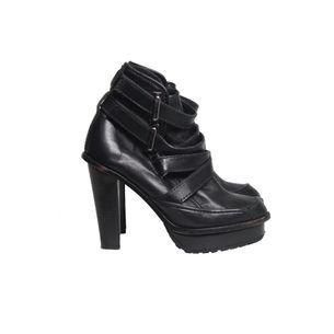 Ankle-Boot-Cris-Barros-Leather-Preta