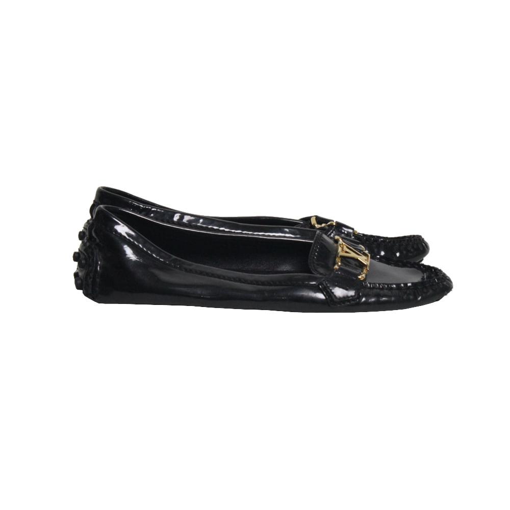 3df15653d Mocassim Louis Vuitton Verniz | Brechó de luxo | Pretty New - prettynew