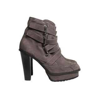 Ankle-Boot-Cris-Barros-Camurca