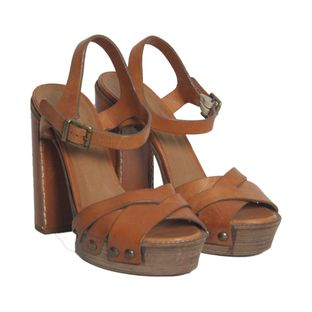 Sandalia-de-salto-Chloe-Caramelo