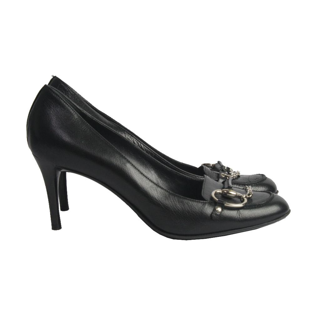 abd8a6345a3 Sapato de Salto Gucci Couro Preto