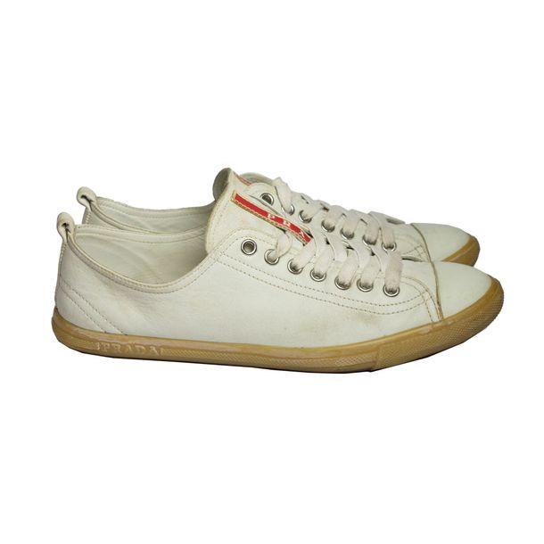 937f0ec1107c6 Tênis Prada Couro Off White | Brechó de luxo - prettynew