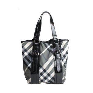 Bolsa-Burberry-Smolked-Check-Nylon