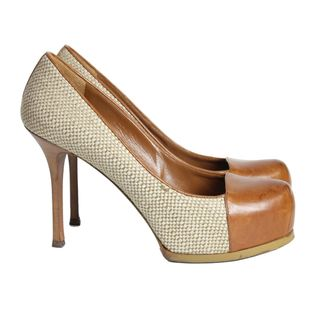 pump-saint-laurent-caramelo