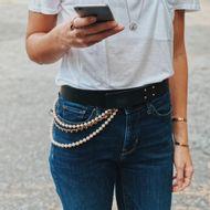 Cinto-Chanel-Vintage-Couro-Preto-com-Perolas