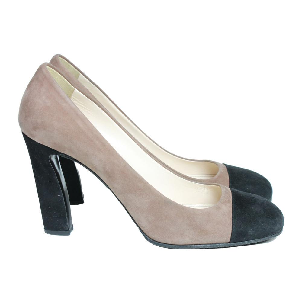 Sapato Salto Prada Nude e Preto   Brechó de luxo - prettynew 2282477956