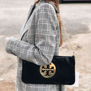1789-Clutch-Tory-Burch-Verso