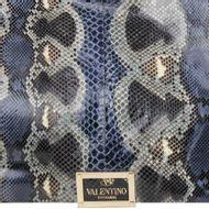 1822-bolsa-valentino-rockstud-python-azul-5