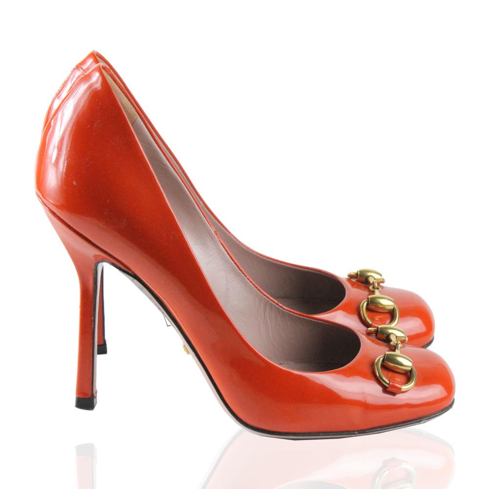 Scarpin Gucci Laranja   Brechó de luxo   Pretty New - prettynew c6d12d411c