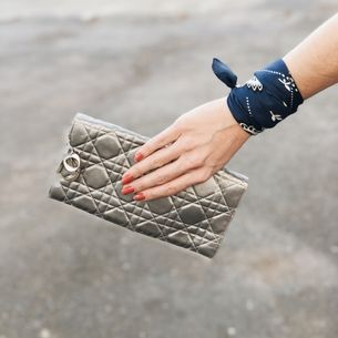 Clutch-Christian-Dior-Cannage-Cinza