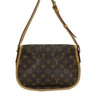 -Bolsa-Louis-Vuitton-Menilmontant-Monograma