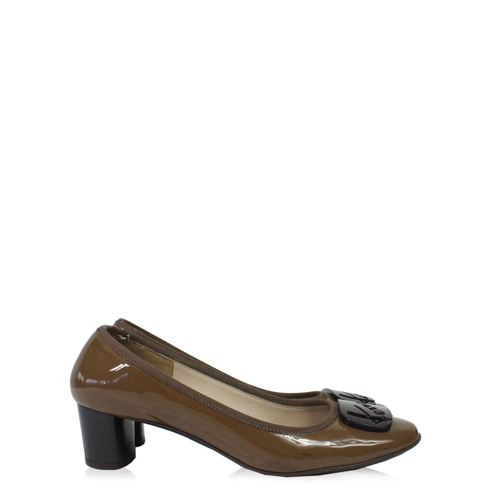 Sapato Salvatore Ferragamo   Brechó de luxo - prettynew 4d1ff4e065