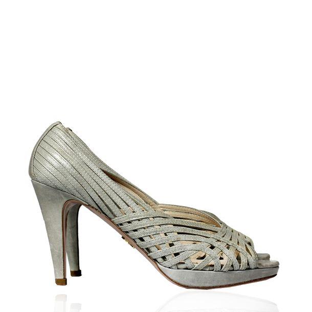 Sapato-Prada-Couro-Cinza