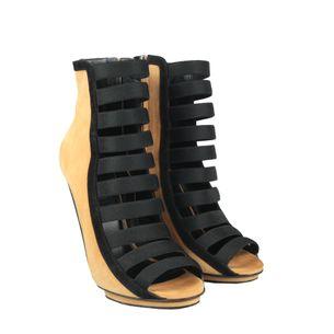 Sandalia-Ankle-Boot-Gucci-Camurca-Caramelo-e-Preta
