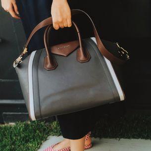 61018-Bolsa-Givenchy-Antigona-Couro-Cinza-verso