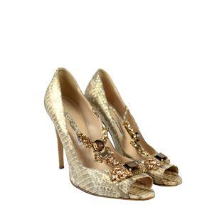61731-Sapato-Manolo-Blahnik-Python-e-Pedraria-verso