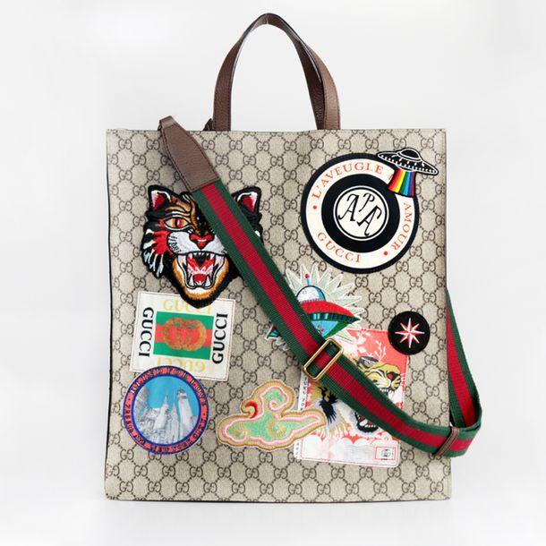 Bolsa-Gucci-Tote-GG-Supreme-Monograma-e-Patches