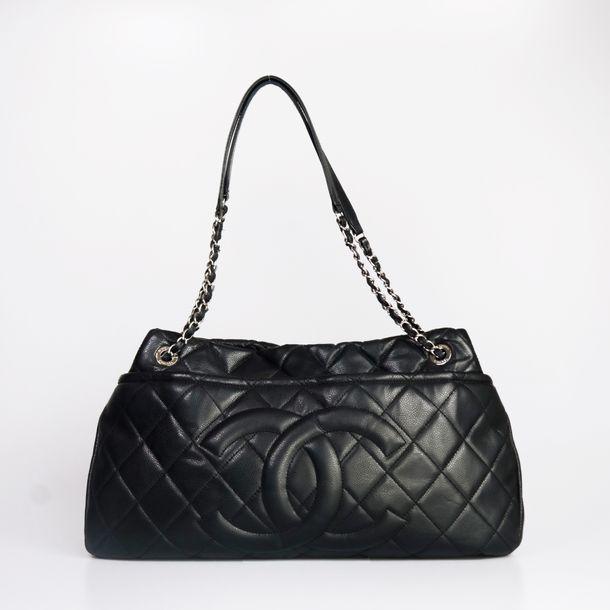 Bolsa-Chanel-Couro-Caviar-Preto