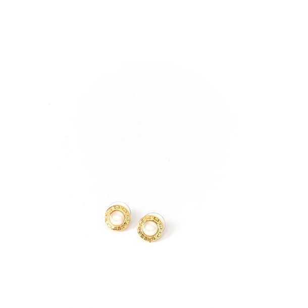 Brinco-Givenchy-Perola-Redondo-Dourado-Pequeno