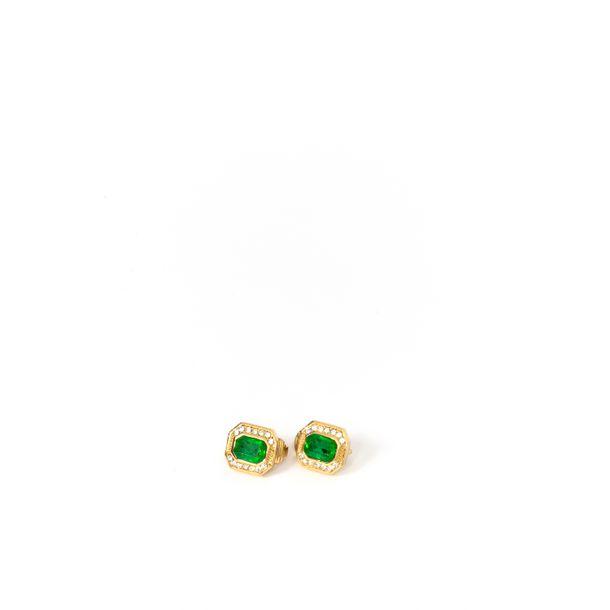 Brinco-de-Pressao-Christian-Dior-Pedra-Verde-Dourado