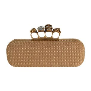 Clutch-A.-Mc-Queen-Tachas-Dourada
