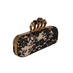 Clutch-A.-Mc-Queen-Renda-Preto-e-Creme