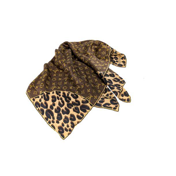 Lenco-Louis-Vuitton-Seda-Marrom-Oncinha-Monograma
