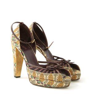 62721-Sandalia-Gucci-Tecido-Marrom-Estampada