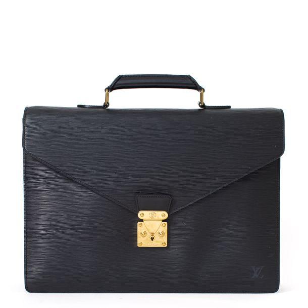 62850-Pasta-Louis-Vuitton-Taiga-Robust-Preta-1