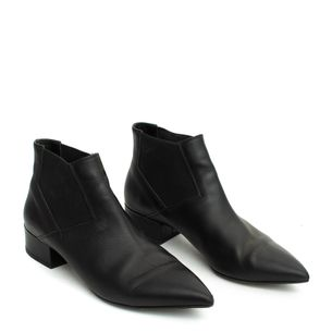 Ankle-Boot-Hugo-Boss-Couro-Preto