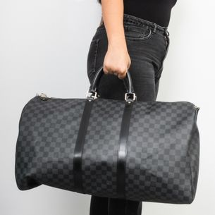 Mala-Louis-Vuitton-Keepall-55-Damier-Graphite