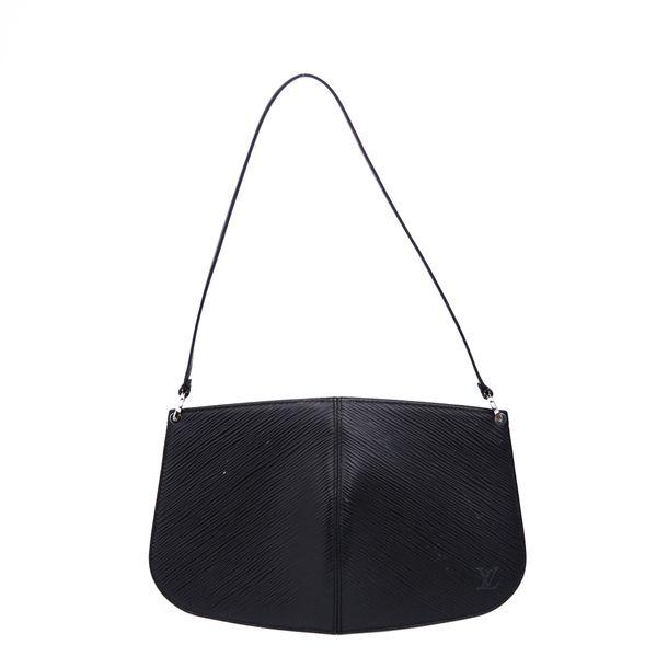 Bolsa-Louis-Vuitton-Pochette-Demi-Lune-Epi-Preta